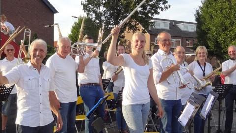 Muziekgroep Oudewater speelt bij Pinkeltje 024